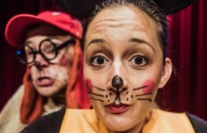 Spletna karnevalska predstava: Detektiv vohljač